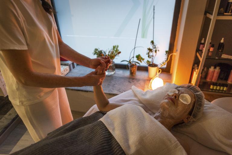 Masaje tratamiento Néctar Hebé